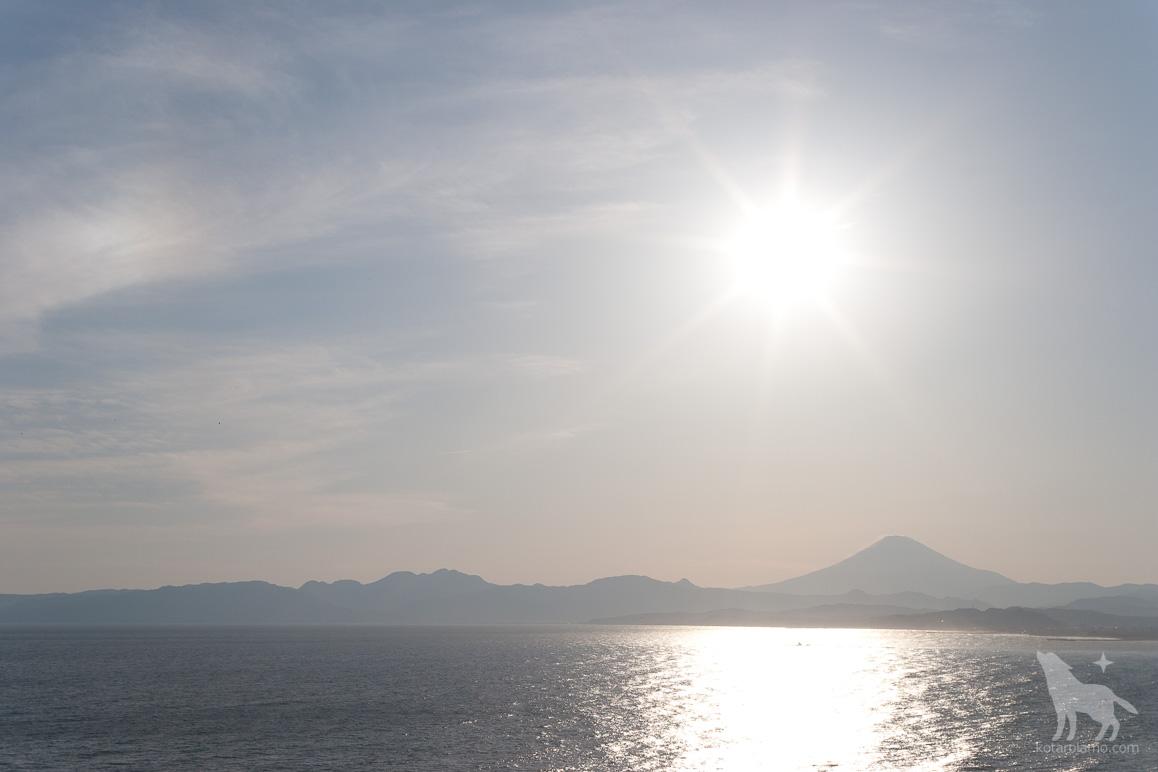 江ノ島から見た富士山 (1)