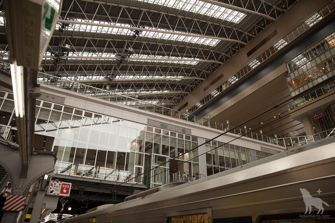 大阪駅ホームから眺めた景色