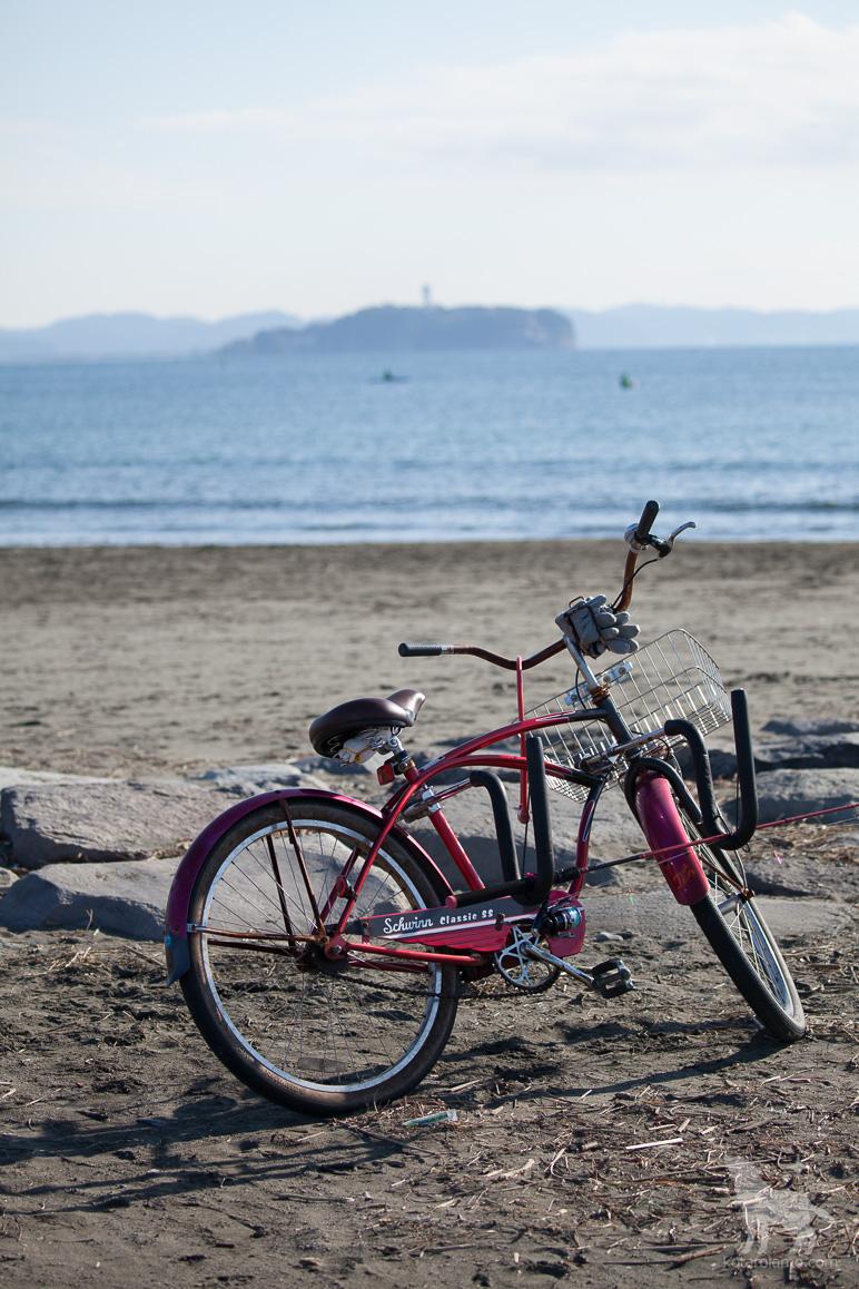 江の島と自転車