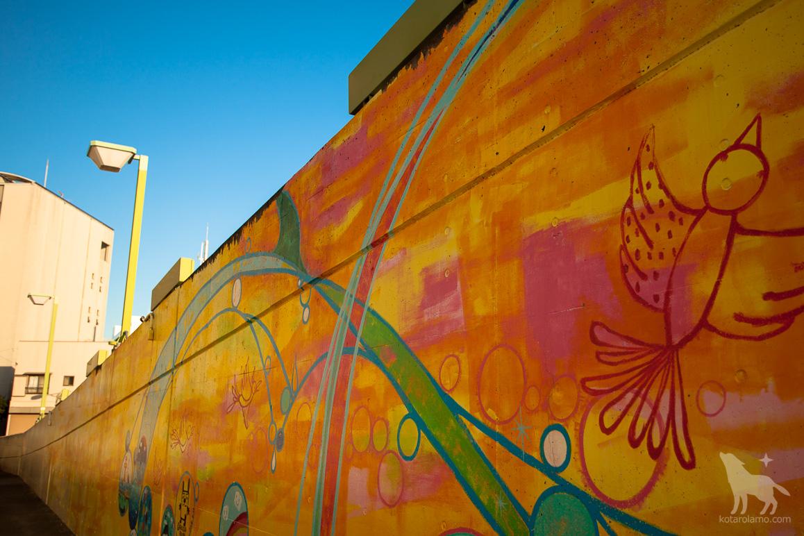 茅ヶ崎ツインウェイヴの壁画