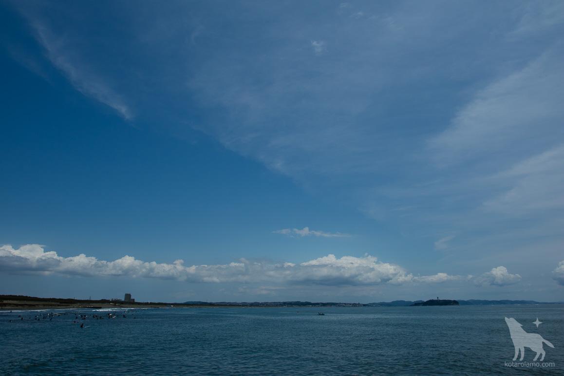 江ノ島と茅ヶ崎の浜