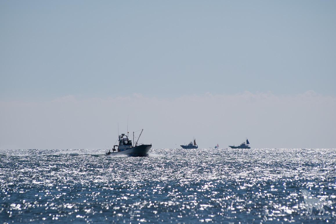 茅ヶ崎の海と船