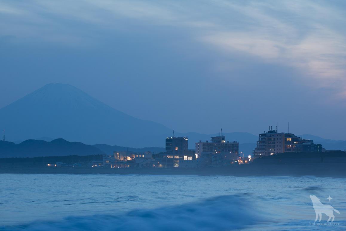 富士山と茅ヶ崎の海