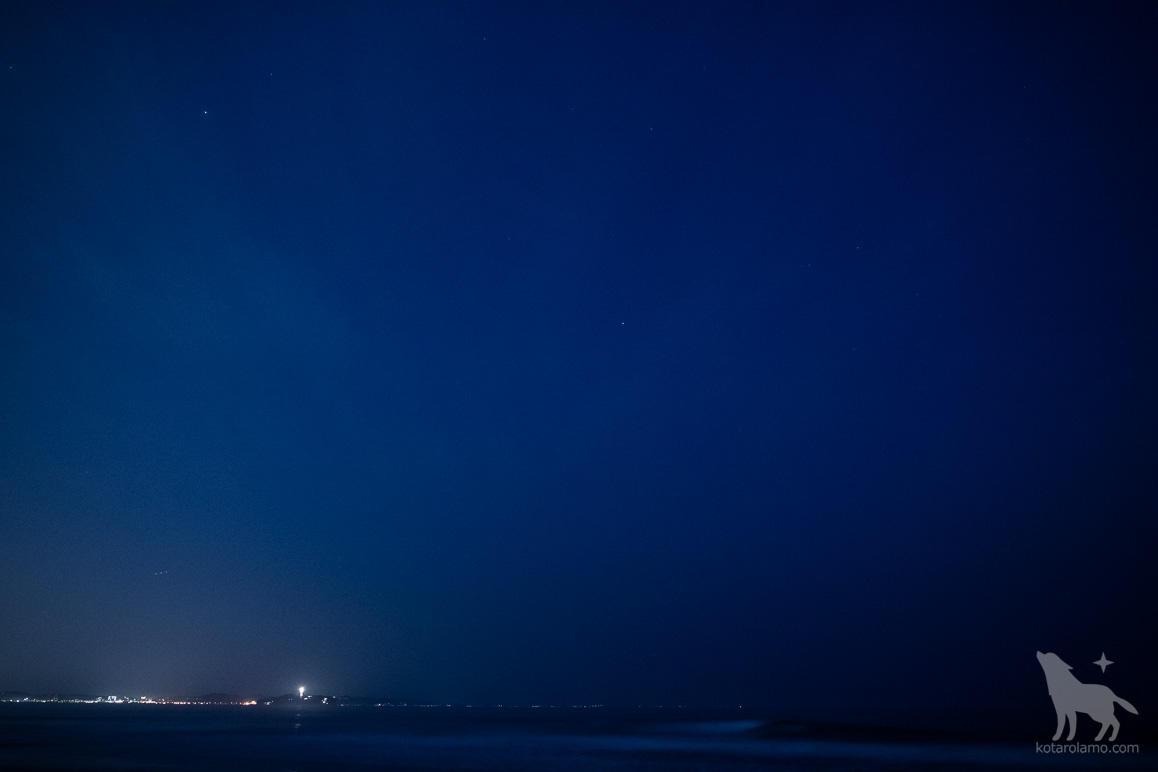 江ノ島と夜空
